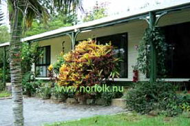 Colony Lodge - 2 Bedroom Cottage ( triple or quad share) - Click to enlarge